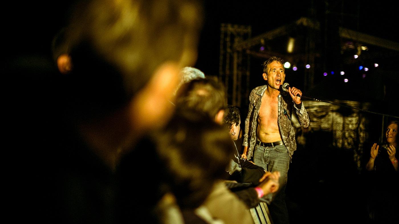 Didier Wampas (barrières 16-9)  - Festival Rockadel 2012 - Poit
