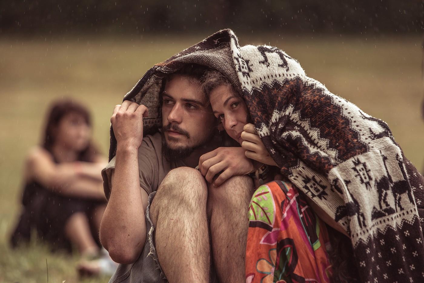 Couple sous la pluie couverture