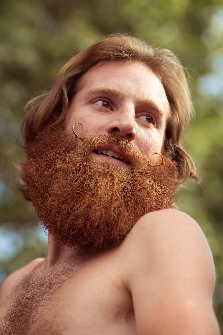 Roux moustaches Airvault
