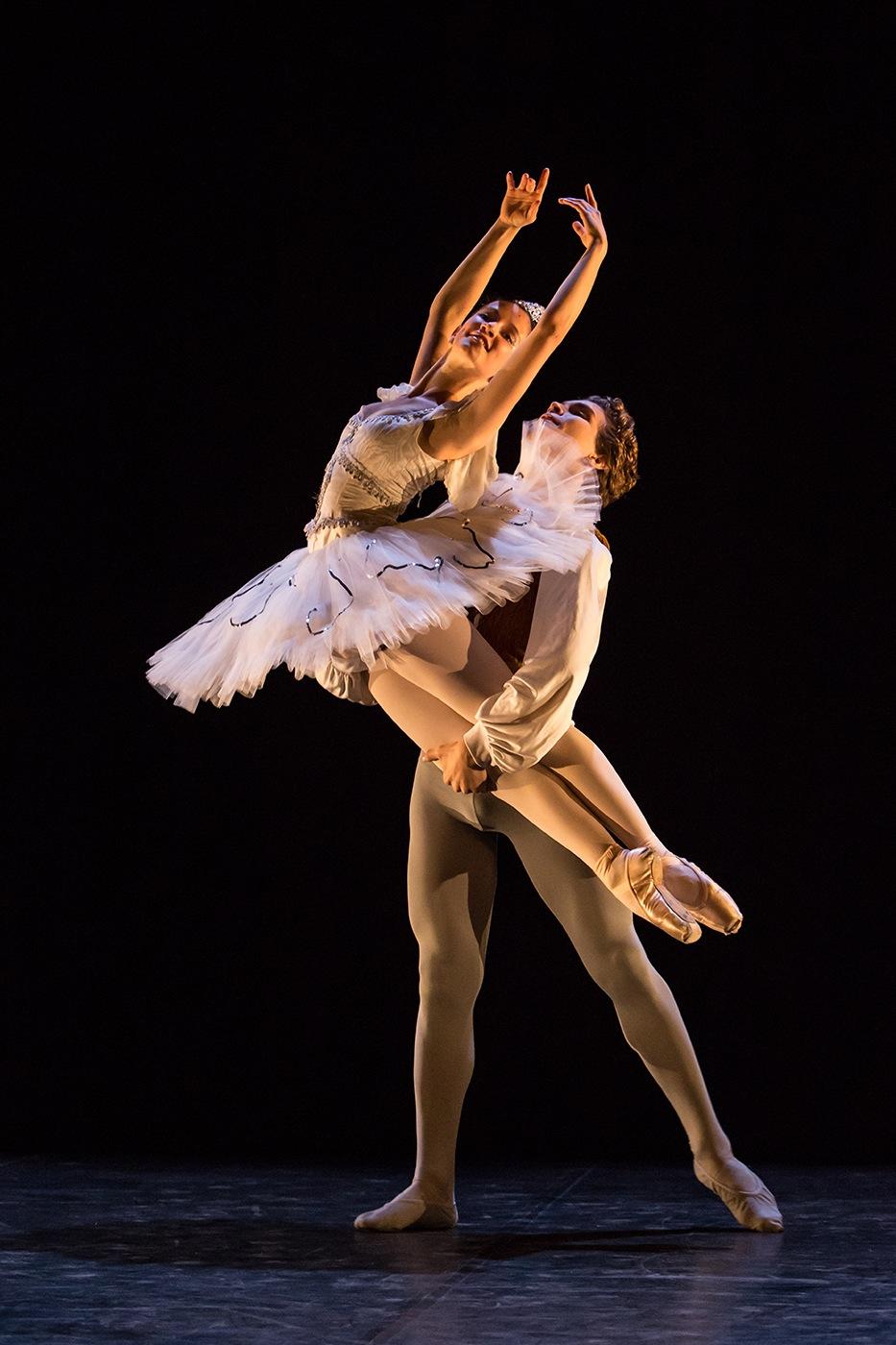 Danseurs classique vertical DATC