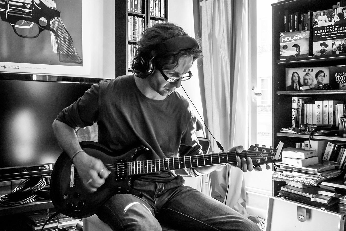 Nico guitare (N&B)